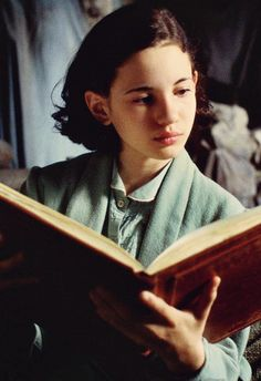 Ivana Baquero (Ofelia) - Pan's Labyrinth directed by Guillermo del Toro (2006) (laberinto del fauno)