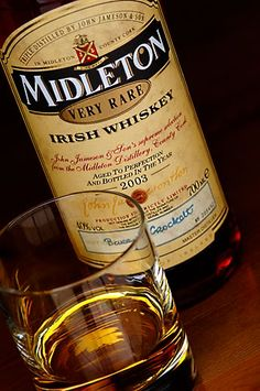 Midleton Very Rare Irish Whiskey. just one of the best Whiskey's out there. Whiskey Cream, Good Whiskey, Bourbon Whiskey, Scotch Whisky, Rare Whiskey, Top Drinks, Alcoholic Drinks, Beverages, Wine And Liquor