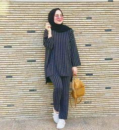 Hijab Style, Hijab Chic, Islamic Fashion, Muslim Fashion, Modest Wear, Modest Outfits, Photographie Portrait Inspiration, Afghan Clothes, Hijab Fashionista