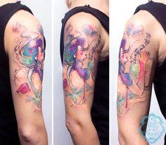 Découvrez les magnifiques tatouages de l'argentine Candelaria Carballo, tatoueuse, maquilleuse et illustratrice.