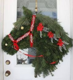 Lovely Horse Head Door Wreath (Not mine, saw it on Facebook & no mention of origin.):