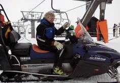 Ando con un trabajador de la estación de esquí de Leitariegos.