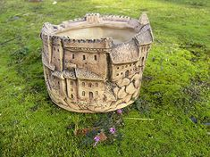Garden Totems, Clay Houses, Air Dry Clay, Ceramic Pottery, Sculpting, Cement, Basket, Crafts, Handmade