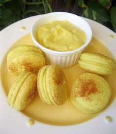 OMG! Durian Macarons!!