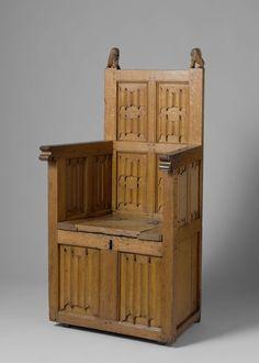 Armstoel met kistvormig onderstel, versierd met briefpanelen. Koppen van de achterstijlen in de vorm van schilddragende leeuwen., anoniem, 1500