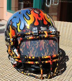 LA Kiss Football Helmet Design, College Football Helmets, Sports Helmet, Football Uniforms, Football Gear, Sport Football, Football Stuff, Football Squads, Arena Football