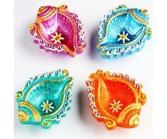 Diwali Diya Decoration Ideas With Beautiful Diya Photos – Posts Hub Diya Decoration Ideas, Diwali Decorations, Festival Decorations, Outdoor Decorations, Decor Ideas, Diwali Craft, Diwali Gifts, Diwali Diya Images, Diya Photos