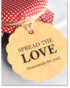 diy wedding favor tags with a beautiful scalloped edge - a do it yourself wedding template