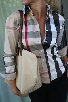 A Burberry Shirt glams up any outfit Camisa Burberry, Burberry Shirt, Burberry Plaid, Burberry Classic, Burberry Clothing, Burberry Dress, Looks Style, Style Me, Look Fashion