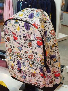 Mochila Kpop, Mochila Do Bts, Bts Clothing, Travel Clothing, Cool School Bags, Bts Bag, Bts Makeup, Bts Inspired Outfits, Shoulder Backpack
