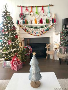 Joy to the World Mantel – colorful holiday mantel ideas! Joy to the World Mantel – colorful holiday mantel ideas! Christmas Mantels, Christmas 2019, Winter Christmas, Christmas Home, Christmas Crafts, Christmas Garlands, Christmas Movies, Christmas Fireplace, Christmas Villages