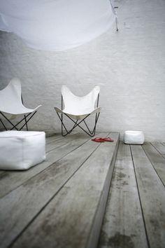 BKF Chair or Butterfly chair designed by Antonio Bonet, Juan Kurchan and Jorge Ferrari Hardoy :: 1938 World Of Interiors, Interior Architecture, Interior And Exterior, Interior Design, Modern Interior, Outside Living, Outdoor Living, Chair Design, Furniture Design