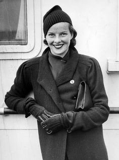Katharine Hepburn. (A beautifully freckled kid, 1932.)