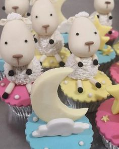 Baby Shower Cupcakes, Fondant, Desserts, Food, Tailgate Desserts, Deserts, Essen, Postres, Meals