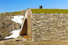 Tiny isolated cabin in Norway is only accessibleby foot or ho...