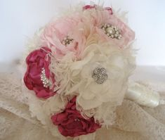 Tela+de+inspiración+vintage+flor+broche+ramo+en+por+theraggedyrose,+$325.00