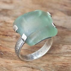 Sterling silver cocktail ring, 'Over the Sea' - Blue Green Sea Glass Adorned Sterling Silver Cocktail Ring