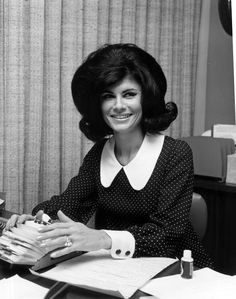 Florida Memory - Unidentified receptionist using her Rolodex - Fort Lauderdale, Florida