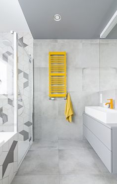 I find the idea of having a single color bathroom with a splash of color to draw the attention interesting. Room Design, Interior, Home, Master Bathroom, Neutral Decor, Bathroom Renovations, Bathroom Colors, Interior Design, Bathroom Inspiration
