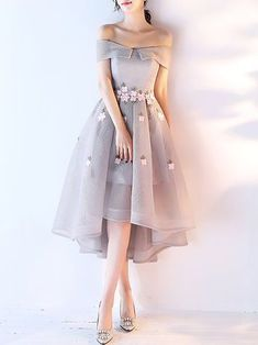 Are you confused about what to use for prom night? How about using a short dress? Short dresses can make you look gorgeous. While short dresses are gr. Source by date night outfit dresses Trendy Dresses, Elegant Dresses, Cute Dresses, Beautiful Dresses, Casual Dresses, Short Dresses, Maxi Dresses, Summer Dresses, Formal Dresses