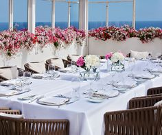 There's nothing quite like dining along the water surrounded by pink flowers at the Grand Hotel Quisisana. Italy Coast, Amalfi Coast, Shot List, Wedding Photos, Wedding Ideas, Miami Wedding, Summer Parties, Honeymoon Destinations, Grand Hotel