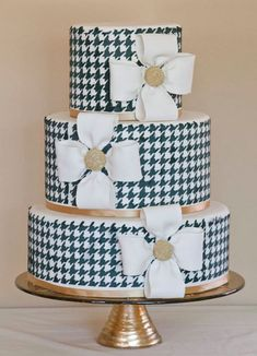 Black and White Houndstooth Cake