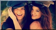Kylie Jenner And Kendall Jenner These Young Stars Who Take All The Time in Twitter Photo