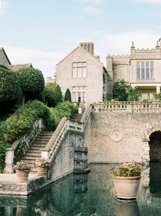 The Charm in this English Cotswolds Wedding is Next Level English Cotswolds venue: The Lost Orangery wedding venue garden wedding The post The Charm in this English Cotswolds Wedding is Next Level appeared first on Garden Diy. Wedding Venues Uk, Wedding Locations, Destination Wedding, Wedding Venue Ideas England, Wedding Planning, British Wedding, European Wedding, Wedding Venue Inspiration, English Garden Wedding Inspiration