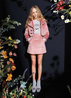 High Fashion Looks, I Love Fashion, Spring Fashion, Girl Fashion, Autumn Fashion, Womens Fashion, Runway Fashion Outfits, Poses, Fashion Killa