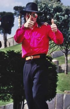 Thumbs up for the King of Music!!