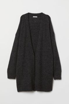 Long cardigan in a soft mohair-blend knit. Dropped shoulders long sleeves and ribbing at opening cuffs and hem. Kimono Cardigan, Black Cardigan, Long Cardigan, Cardigan En Maille, Diy Clothes, Clothes For Women, Gilet Long, Mom Jeans Outfit, Cool Style