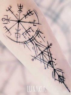 Vegvisir tattoo by Lunakia Tattoo Viking Rune Tattoo, Viking Tattoo Sleeve, Norse Tattoo, Sleeve Tattoos, Thai Tattoo, Maori Tattoos, Druid Tattoo, Viking Compass Tattoo, Chicano Tattoos