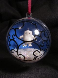 This is adorable!  I don't celebrate traditional Christmas, but I DO really want an Adipose ornament!