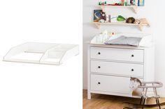 Mit dem Wickelaufsatz VÄXLA FK machst du aus deiner Hemnes Kommode von Ikea im Handumdrehen eine vollwertige und preiswerte Wickelkommode. Der Wickeltischaufsatz lässt sich leicht montieren und genau auf die Ikea-Kommode einstellen....