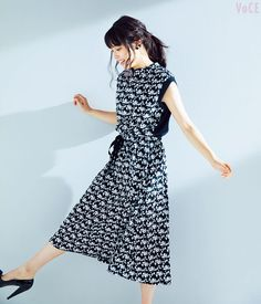 VOCE7月号,広瀬アリス,美ボディ, Short Sleeve Dresses, Dresses With Sleeves, Alice, Eyes, Girls, Fashion, Moda, Gowns With Sleeves, Daughters