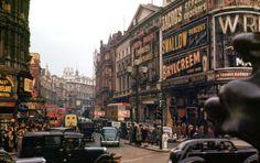 Vintage London Piccadilly Circus! Unbedingt auf Leinwand oder Poster bestellen!