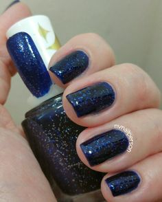 #notd #nailpolish #nailpolishaddict #Essie #StarryStarryNight