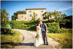 chateau grand boise, kissing couple. Bride in BHLDN #BHLDNbride