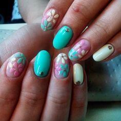 3d nails, Bright summer nails, Cheerful nails, flower nail art, Nails with rhinestones, Oval nails, Summer nails 2016, Summer nails ideas