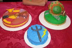 Harry Potter, Hobbit, Percy Jackson Cake!! Percy Jackson Cake, Cupcake Cakes, Cupcakes, The Best Series Ever, Kid Parties, Awesome Cakes, Heroes Of Olympus, Homemade Cakes, Fan Girl