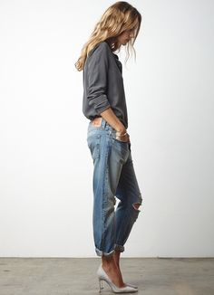 Street style Boyfriend jeans | Les Brèves - Tendances de Mode Women's Jeans... https://rover.ebay.com/rover/1/711-53200-19255-0/1?icep_id=114&ipn=icep&toolid=20004&campid=5338042161&mpre=https%3A%2F%2Fwww.ebay.com%2Fsch%2Fi.html%3F_from%3DR40%26_trksid%3Dp4712.m570.l1311.R1.TR12.TRC2.A0.H0.Xwomens%2Bjea.TRS0%26_nkw%3Dwomens%2Bjeans%26_sacat%3D0