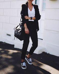 30 outfits para você usar com seu Vans preto 30 Outfits For You To Use With Your Black Vans - 30 Outfits, Mode Outfits, White Outfits, Casual Outfits, Fashion Outfits, Womens Fashion, Black Vans Outfit, Blazer Outfit, Look Blazer