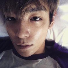 """T.O.P's Instagram Update 20/4/2015: """"얼마나 갈지 모르겠지만 첫날기념 폭풍 업데이트 그댈위한 폭풍 업데이트 좋아 좋아?"""""""