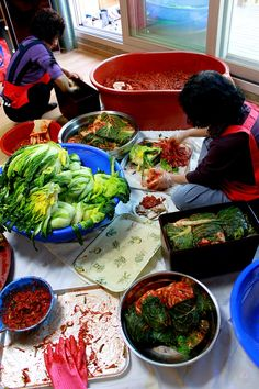 Kimjang: A Special Kimchi Making Event, South Korea Kimchi, Korean Kitchen, South Korean Food, K Food, Korean Dishes, Asian Recipes, Ethnic Recipes, Looks Yummy, Learn To Cook