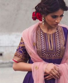 Make a head-turning statement at the upcoming festive get-together in this purple shade anarkali accentuated with metallic finishes paired… Embroidery Suits Punjabi, Embroidery Dress, Simple Embroidery, Hand Embroidery, India Fashion, Ethnic Fashion, Women's Fashion, Indian Attire, Indian Wear
