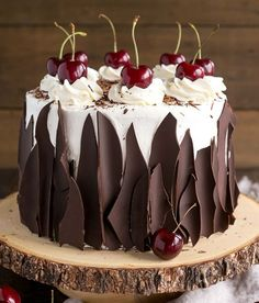 This Black Forest Cake combines rich chocolate cake layers with fresh cherries, . Kuchen , This Black Forest Cake combines rich chocolate cake layers with fresh cherries, . This Black Forest Cake combines rich chocolate cake layers with fr. Just Desserts, Delicious Desserts, Baking Desserts, Fancy Desserts, Baking Cupcakes, Cake Recipes, Dessert Recipes, Frosting Recipes, Icing Recipe