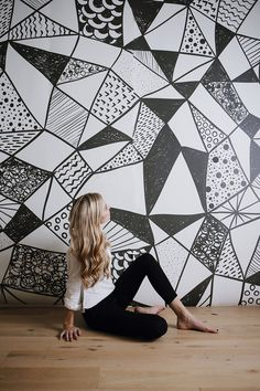 *NEW MURAL* Geometric abstract mural! Perfect for creating the an eye-catching backdrop for a wedding, party or event. Also a beautiful addition to a home for a stunning focal wall. The mural measures 100 x 108 overall and is printed in four 25 panels for easy installation. If you a custom size is required please feel free to contact us via Etsy or by email: rs@anewall.com If you have any further questions, dont hesitate to ask.