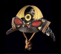 Ridged helmet (sujibachi kabuto), late Muromachi to mid-Edo period, 16th–mid-18th century, iron, lacing, fur, gold, shakudō, bronze, leather, photograph by Brad Flowers, © The Ann & Gabriel Barbier-Mueller Museum, Dallas