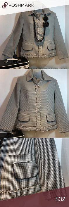 Perry Ellis blazer 💥💥💥 Nwot Perry Ellis sz 8 blazer. 50%polyester 47% rayon 3% spandex. Lined. This is so classy 💋 Perry Ellis Jackets & Coats Blazers