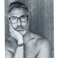 Pin for Later: Ce Mannequin Est la Version Hipster de George Clooney George Clooney, Grey Hair, Man Crush, Popsugar, People, Crushes, Hipster, Celebrities, Sexy